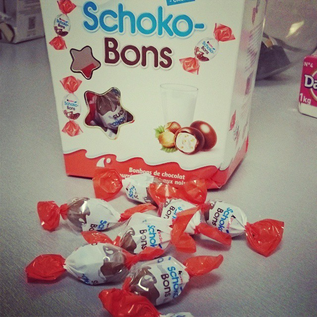 Miam miam les #chocobons !  #chocolat #kinder #sweet #sweettooth #Coffee #yummy #instafood #picoftheday #companylife